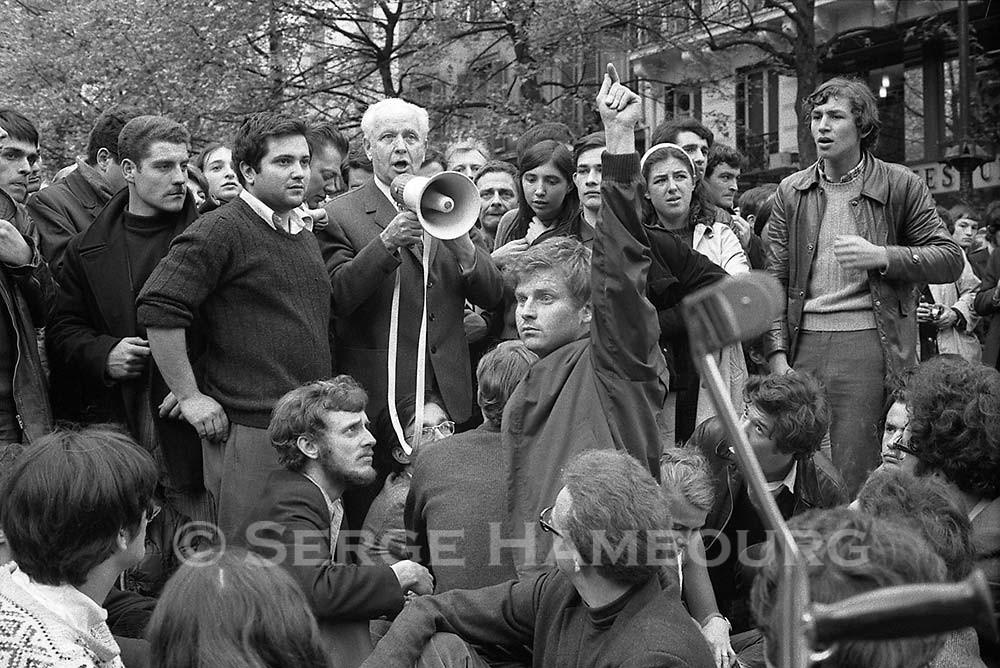 Alain Geismar, Louis Aragon, Daniel Cohn-Bendit, place de la Sorbonne